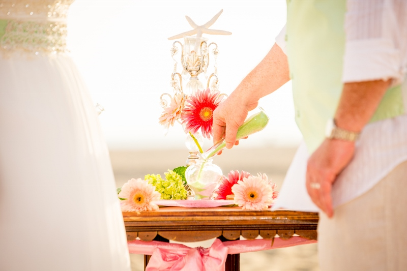 Sand ceremony flowers on the table.jpg
