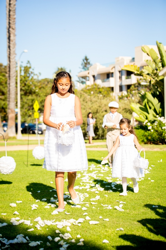 Flower girls in Santa Monica.jpg