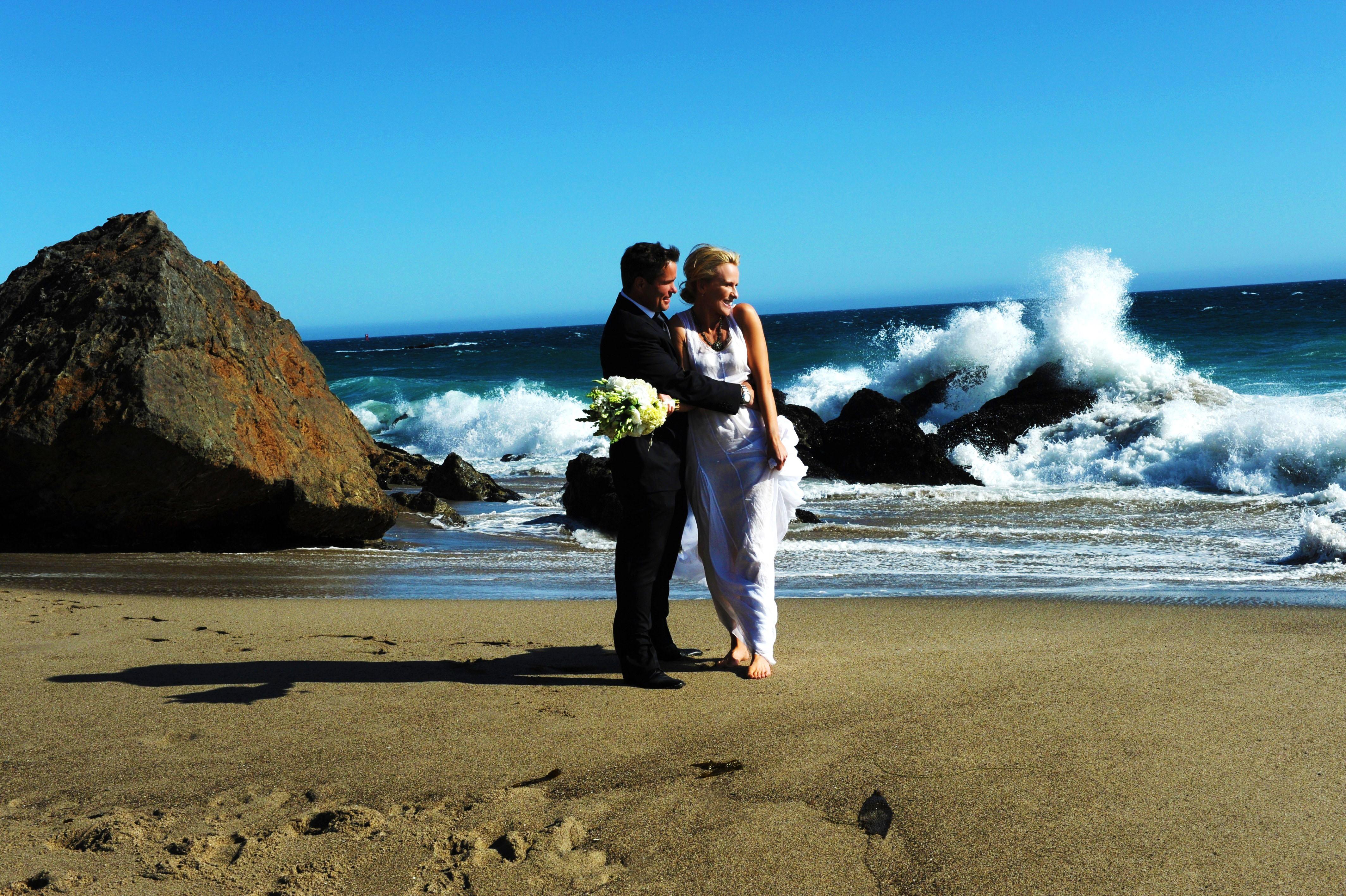 Wedding on the beach - Wedding On The Beach In Malibu Jpg